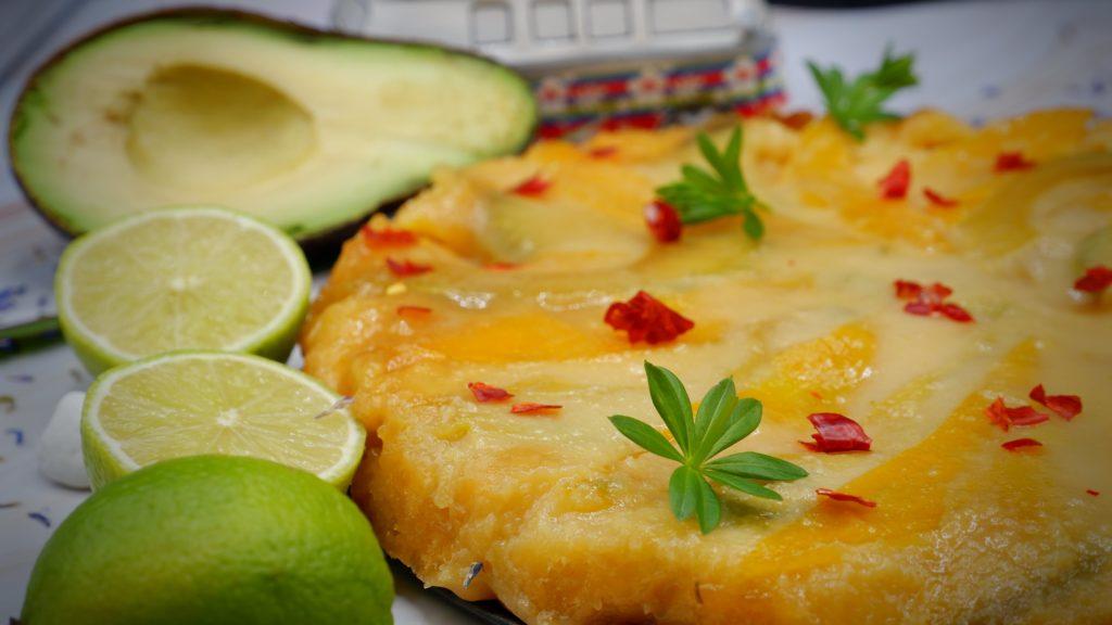 Avocado-Mango-Tarte mit Yuzu-Curd