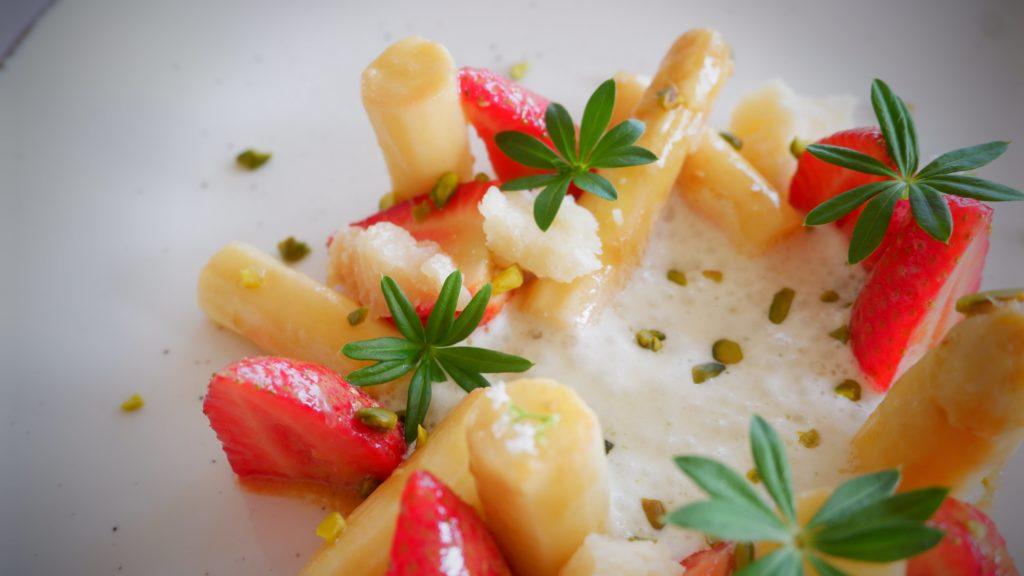 Spargel Erdbeersalat